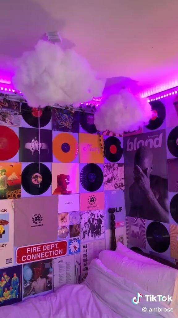 Brinlysummer Follow Ideas De Dormitorio De Decoracion De Pared Room Inspo Neon Room Indie Room Decor