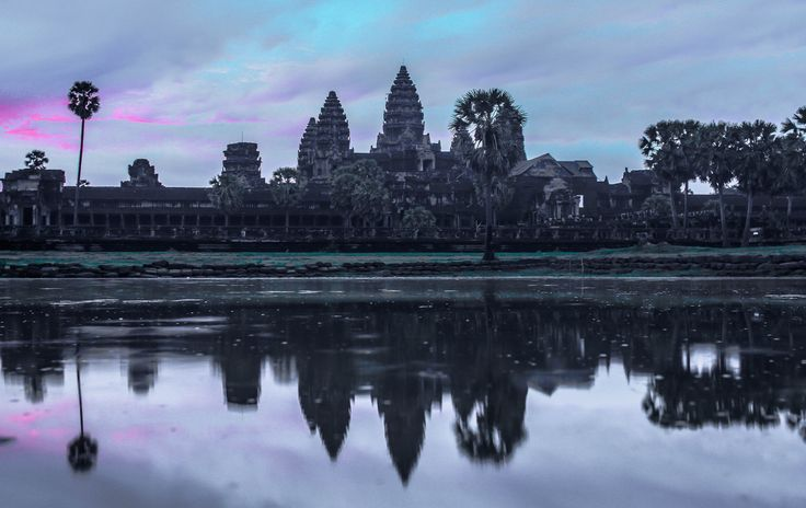 #AngkorWat Temple in #Cambodia at #sunrise #travelphotography #photography #travel
