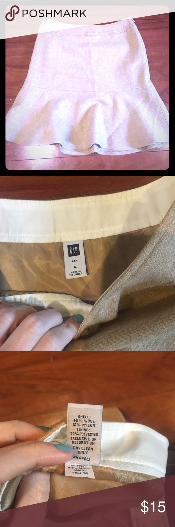 "👖 3 for $30 👗Lined gap trumpet skirt Like new!  Gorgeous tan skirt. Length is approx 18 1/2"" GAP Skirts Midi"