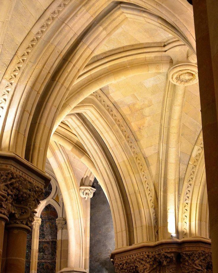 #sagradafamilia #sagradafamiliabarcelona #cripta #criptasagradafamilia #detalle #crypt #holyfamilicrypt #gaudi #gaudigenio #antonigaudi #arquitectura #architecture #amazing #lifeinbarcelona #freelifebarcelona #freelifestyle