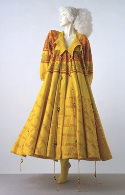 Screen printed felt coat Zandra Rhodes 1969 | Victoria & Albert Museum /\/\/ 1960s Fashion & Textiles \/\/"|256|400|?|7fa357537bae5f8bfe26b6922160fc33|False|UNLIKELY|0.3210078477859497