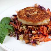 Kålsalat med ristede mandler
