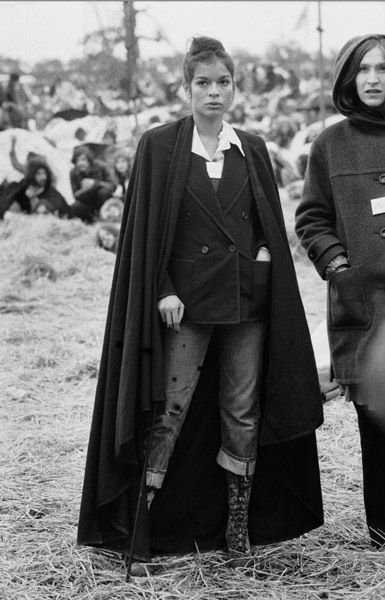 bianca jaggerThe Women, Bianca Jagger Fashion, Biancajagg Styleicon, Vintage, Capes, Style Inspiration, Style Icons, Best Dresses, White Suits
