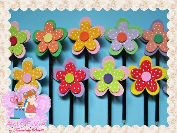 Ponteira para lápis modelo flor.  Cores diversas.  OBS: NÃO ACOMPANHA LÁPIS>  PEDIDO MÍNIMO: 30 peças.