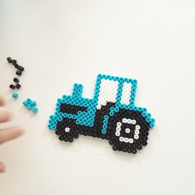 Tractor hama beads by Englas kreative verden