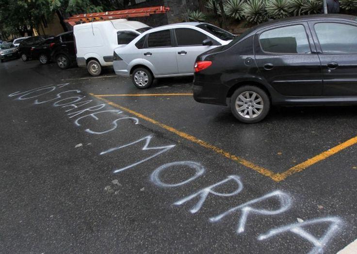 Jô Soares é ameaçado após Entrevista com a Dilma ➤ http://politica.estadao.com.br/noticias/geral,casa-de-jo-soares-amanhece-com-ameaca-ao-apresentador-,1709761 ②⓪①⑤ ⓪⑥ ①⑨ #Impeachment
