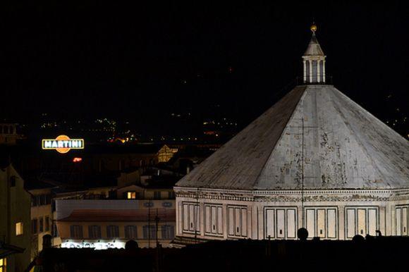 a #Firenze la notte bianca della moda, ovvero la Vogue Fashion's Night 2013  http://www.operaduomo.firenze.it/blog/posts/vogue-fashion-night-out-a-firenze