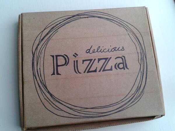 Box for little felt pizza set
