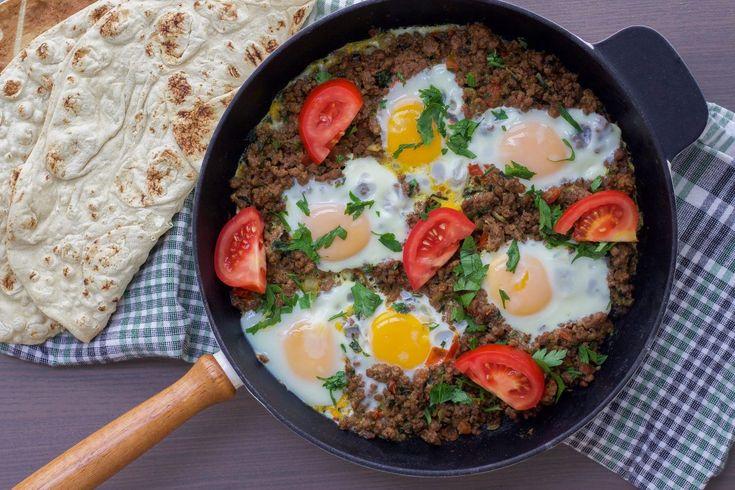 Irakisk makhlama- ägg med köttfärs