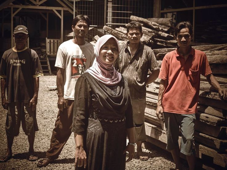 Coming together is a beginning; keeping together is progress; working together is success. Henry Ford  #People #recycledwood #power #pallet #woodlovers #woodflooring #culture #indonesia #asia