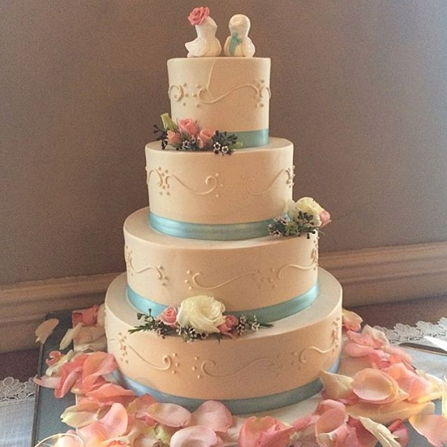 Make your wedding cake your way!