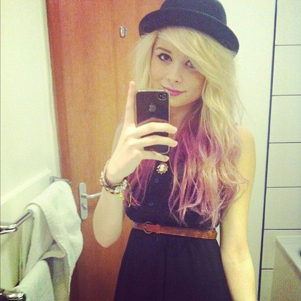 Nina Nesbitt dip-dyed her hair. And, of course, the rest of her outfit is to die for as well.