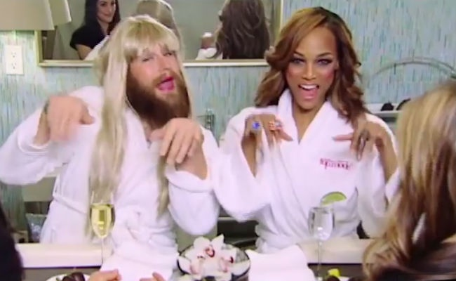 Tyra and P'Trique brainstorm the next season of ANTM. See more: http://www.styleite.com/media/ptrique-tyra-americas-next-top-model/