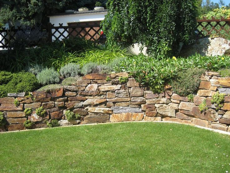 Die besten 25+ Palisaden Ideen auf Pinterest Gartenset - sitzplatz im garten mit steinmauer