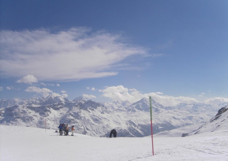 SKIING. Fashionable St Moritz, Graubünden lies in the Engadine valley, under the 4000m Piz Bernina.