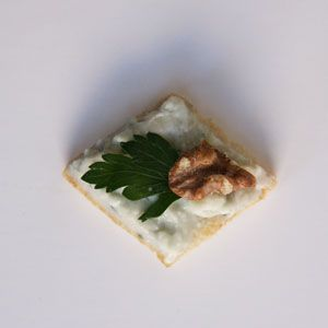 100 canapes recipes on pinterest canapes tapas ideas for Blue cheese canape