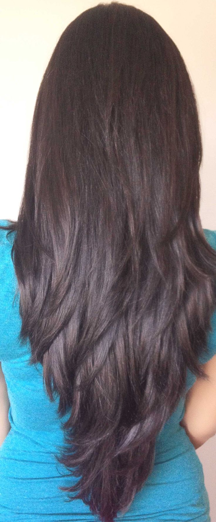step cut hairstyle for long hair - http://www.gohairstyles.net/step-cut-hairstyle-for-long-hair/