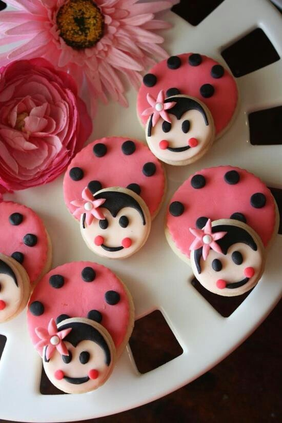 Ladybug cookies (Great for Pink or Red Ladybug Parties!)
