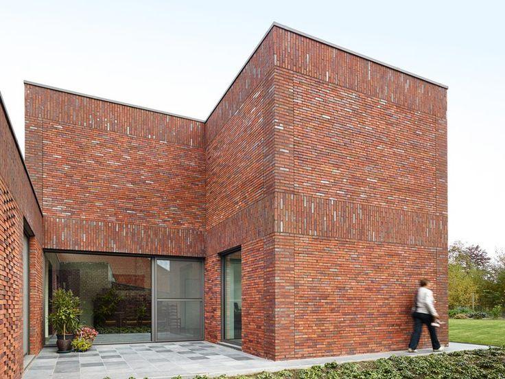 'Woning av te k' - Ampe Trybou Architecten. I like the subtle variations in the brickwork on this facade!