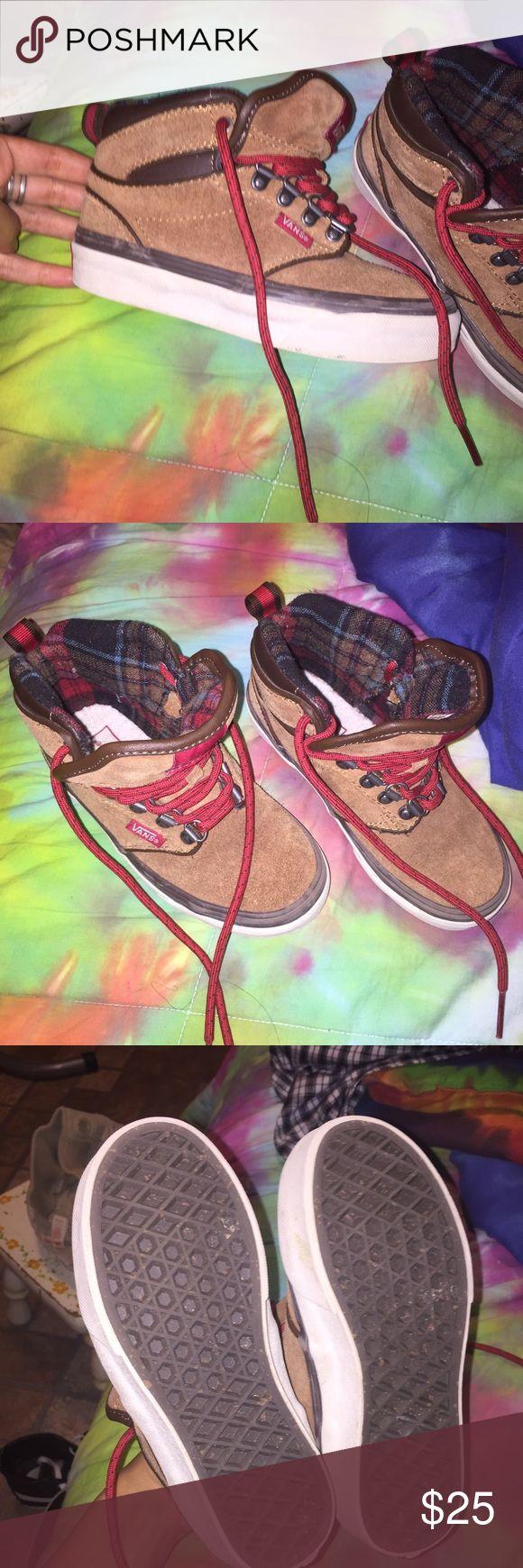 Kids vans shoes excellent condition :) Vans Shoes Sneakers
