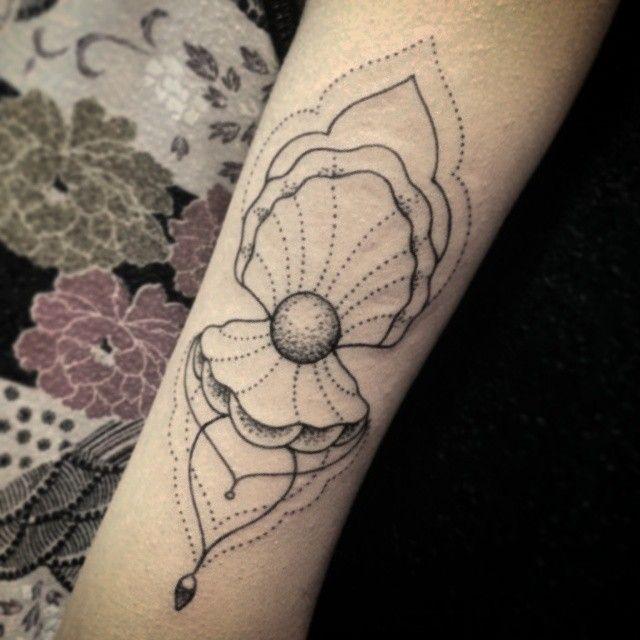 #sunama #shell #shelltattoo #pearl #pearltattoo #linework #bonatattoo #estudiotattooink #tattooink  #concha #tatuagemdeconcha #perola #perolatatuagem