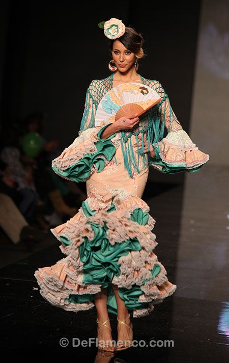 Fotografías Moda Flamenca - Simof 2013 - CARMEN VEGA Me Embrujaste - Foto 14