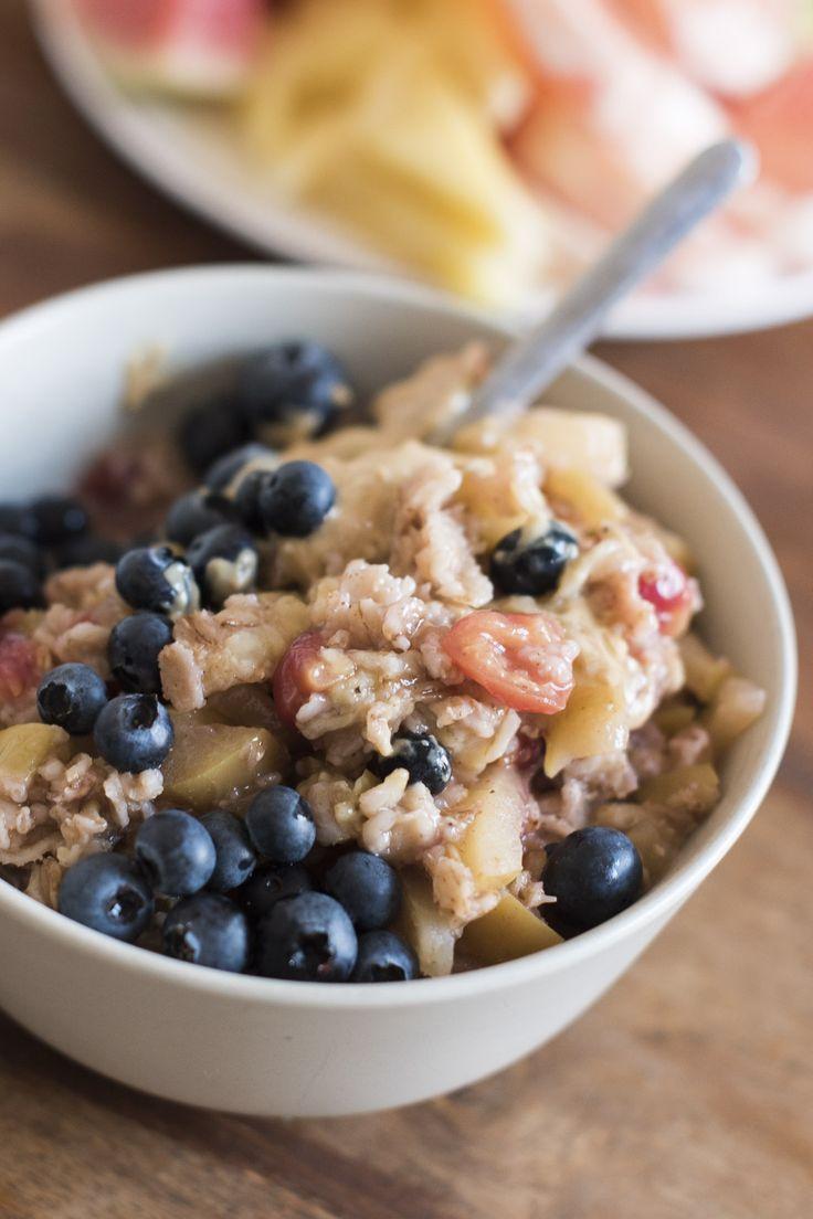 Le porridge, un classique du petit déjeuner à travers le monde - et définitivement mon préféré. Mon guide pour une préparation rapide au quotidien.