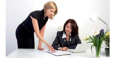 3 Tips Jadi Karyawan Terbaik  3 Tips Jadi Karyawan Terbaik - Setiap orang sangat ingin bekerja dengan baik dan dianggap sebagai salah satu karyawan unggulan di kantor. Bahkan sebagian profesional ingin menjadi salah satu pegawai terbaik di kantor.