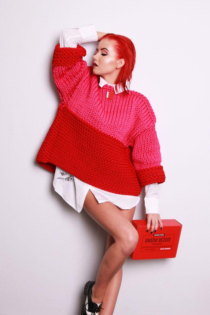 Secret inside every box. Red hair. /people will stare. make it worth their while/ #beautybox #groziodezute #raudonadezute #groziodraugas #photoshoot #redhairdontcare #red #meu