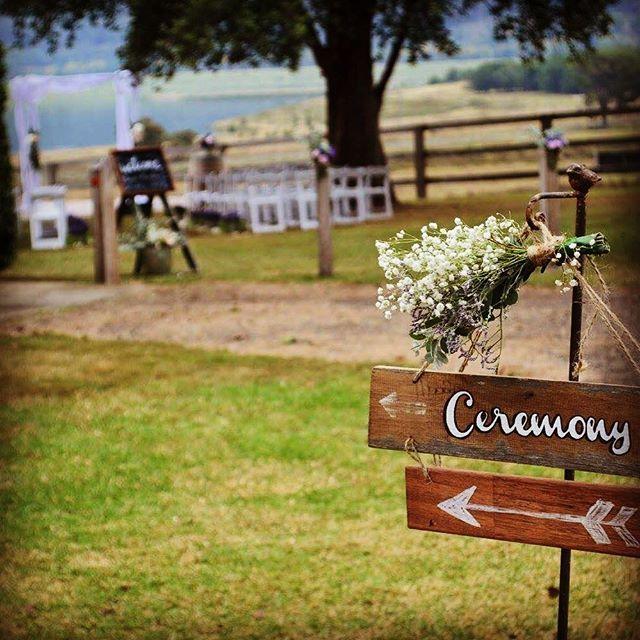 Castlereagh Hall Wedding Countryside Love Event Styling and Hire @countryside_love #weddingsignage #rusticwedding #castlereaghhall #outdoorceremony #lavenderwedding #pastelwedding #hawkesburyweddings #penrithwedding #bluemountainswedding #eventstyling #eventhire #sydneywedding