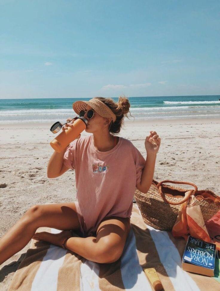 VSCO Girl: conheça a tendência e saiba como seguir essa moda   Roupas praianas, One piece, Meninas de verão