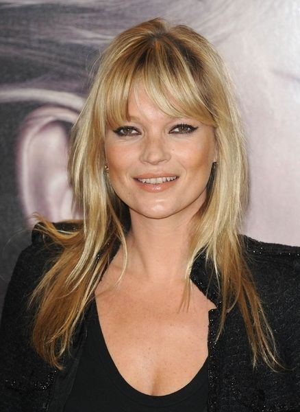 Kate Moss blonde hairstyle with bangs