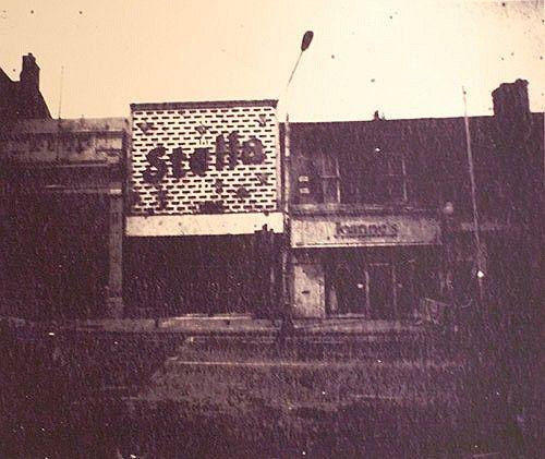"Joby Hickey ""Stella Cinema, Rathmines, Dublin"" #irishart #photography #limitededition #print #dublin #photorealism #edwardhopper #jobyhickey #dukestreetgallery #stella #stellacinema #rathmines"