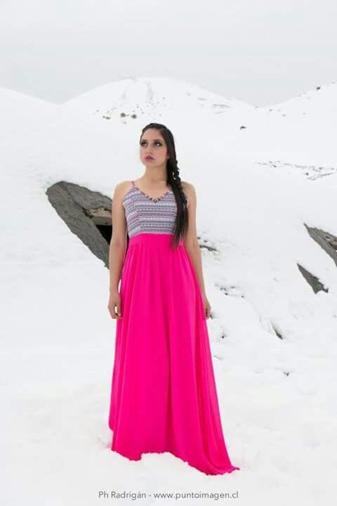 Photo Shoot Embalse El Yeso #chile #arriendo #vestidos #fiesta #gala #nieve #model #outfit #fashion #dress #rentdress www.laragala.cl www.facebook.com/arriendoslaragala