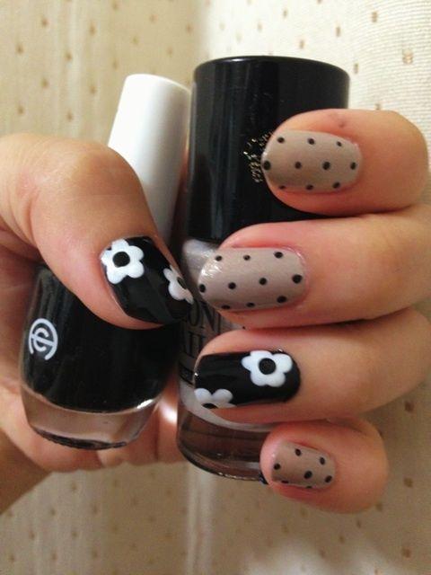 Daisy nails #nail #unhas #unha #nails #unhasdecoradas #nailart #gorgeous #fashion #stylish #lindo #cool #cute #fofo #cat #gato #gatinho #animal#Nail Art Designs #nail art / #nail style / #nail design / #tırnak / #nagel / #clouer / #Auswerfer / #unghie / #爪 / #指甲/ #kuku / #uñas / #नाखून / #ногти / #الأظافر / #ongles / #unhas