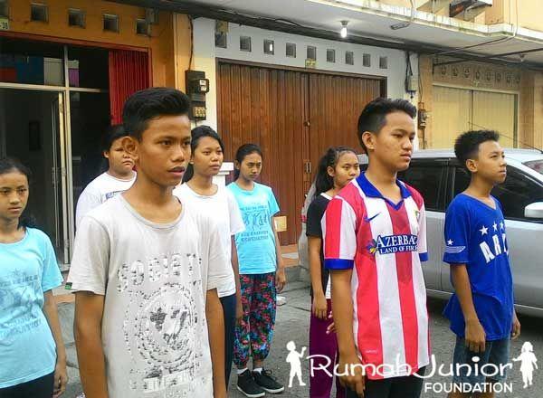 Rumah Junior mengadakan jogging pagi bersama untuk membantu latihan pernafasan olah vokal pada hari sabtu kemarin tanggal 12 september 2015