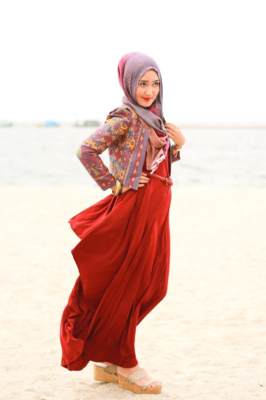 The Merchant Daughter Dian Pelangi hijab