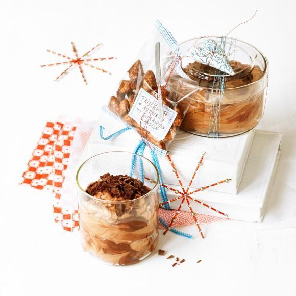 Rezept: Schoko-Espresso-Creme mit gebrannten Mandeln