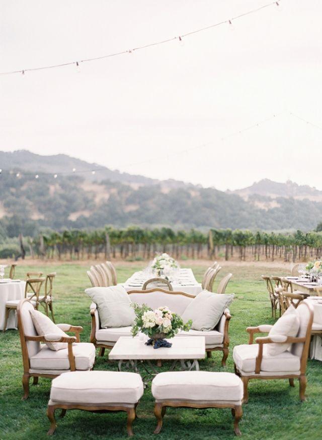 25 beste idee n over vintage buiten bruiloften op pinterest landelijke bruiloft decoraties - Landelijke chique lounge ...