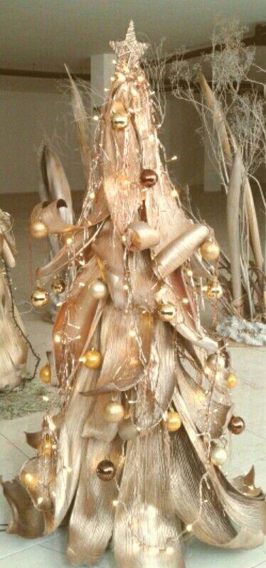 Árbol de Navidad de cortezas de palmera