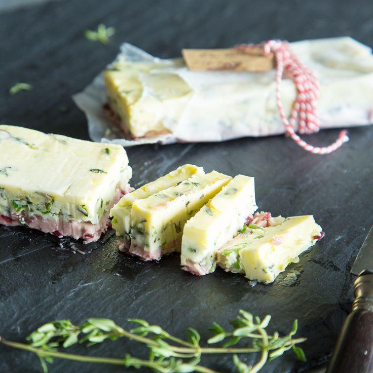 In dieser bunten Butter-Terrine kommen gleich vier harmonische Aroma-Bomben zusammen. Sieht gut aus, schmeckt noch besser.