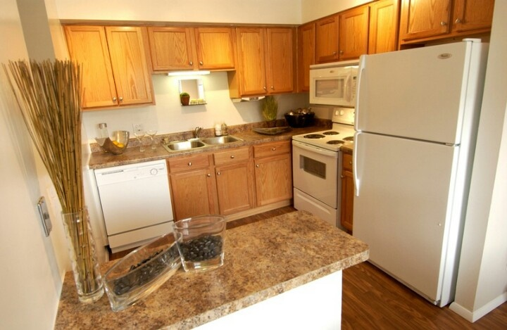 Two bedroom fully equipped kitchen with breakfast #gottaluvthebreakfastbar