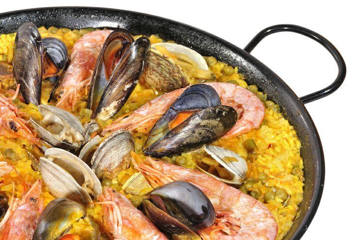 Mariscos, tomates, azafrán, arroz… Una delicia que se disfruta con todos los sentidos. La cocina española en #DistritoFederal se disfruta en sus mejores #restaurantes. http://www.bestday.com.mx/Mexico/Restaurantes/