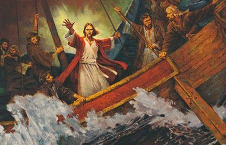 Bem no meio do temporal  Se pretendemos retirar da Escrituras algum ensinamento sobre como atravessar as tormentas da vida, não podemos deixar de considerar dois episódio importantes: o livro de Jó e a tempestade no mar da Galileia.