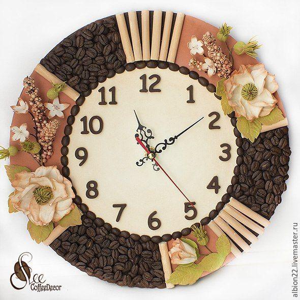 Купить Интерьерные часы-панно из кофейных зёрен и фоамирана - коралловый, интерьер, кофейные зерна