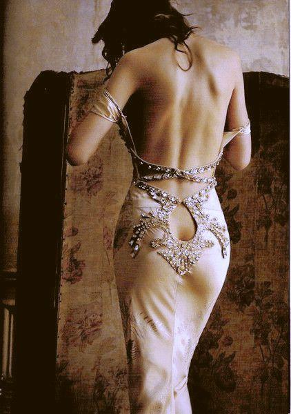 Se noti designer può fare abiti da sposa nero, allora si può certamente scegliere uno in rosa, o un altro colore divertimento! Anche se questi abiti non sono esclusivamente in bianco, la maggior parte delle persone associa matrimoni con il bianco. Quindi, se si fa deviare e scegliere un abito di colore diverso allora si sta per essere memorabile!