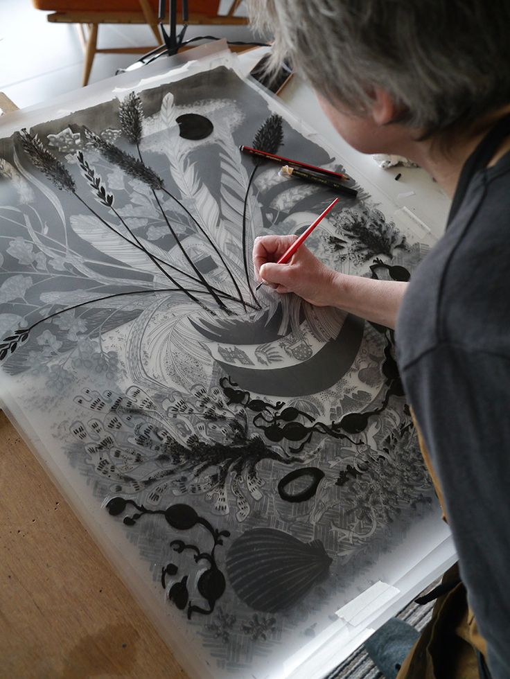 Angie Lewin working on her 'Shoreline' screen print for Towner Eastbourne http://www.angielewin.co.uk/products/shoreline