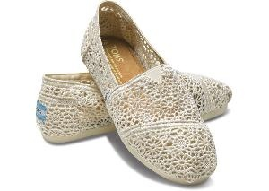 shoes - because heels just arent gonna happen: Fashion, Style, Crochet Toms, Tom Shoes, Wedding, Toms Shoes, Crochet Woman, Classic