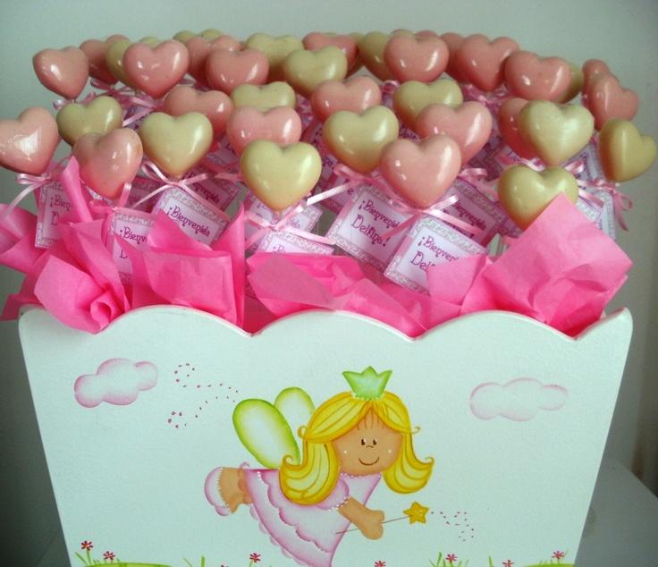 Corazones de chocolate panzones de nacimiento para Delfina