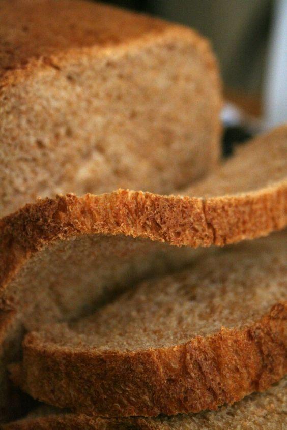 Recipe for Honey Wheat Bread......I think I've fallen in love! I LOVE ABC's (Atlanta Bread Company's) honey wheat bread! Now I can make some!